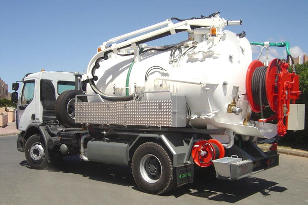 Hydrocureuse aspiratrice combinée 9 m³