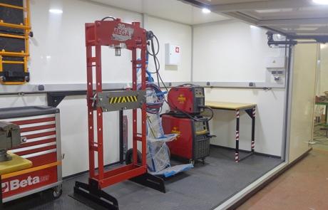 Véhicules atelier type chantier