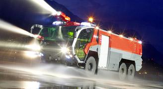Véhicules lutte incendie aéroport